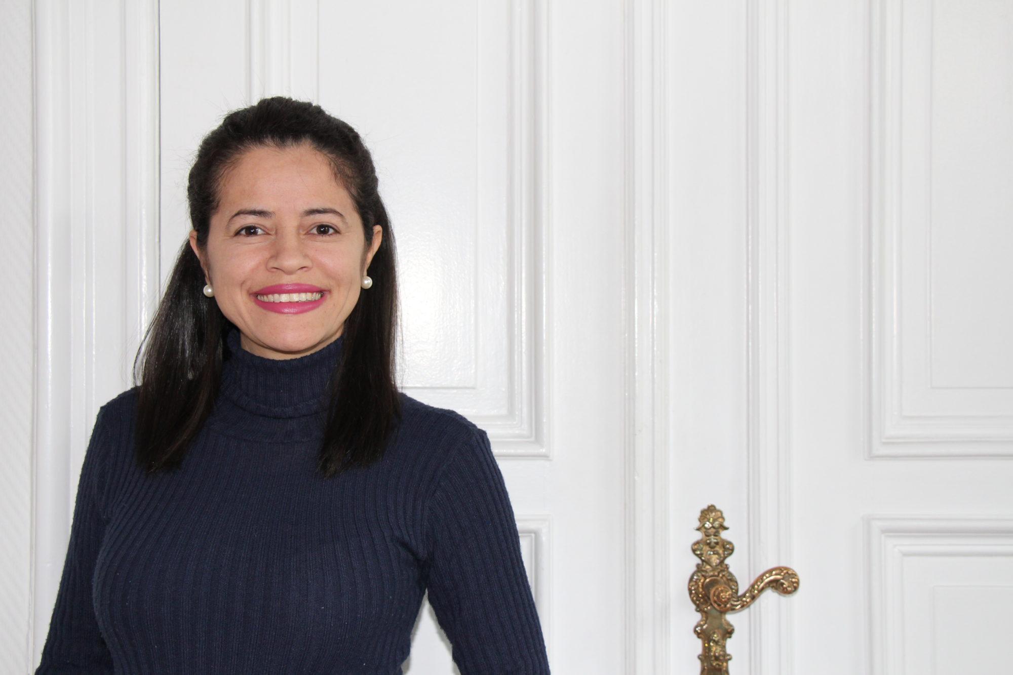 Simone De Farias Oliviera